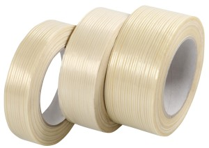 Reinforced sealing tapes with fibres